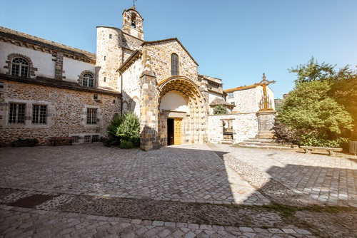 Romaanse abdijkerk Saint-Pierre